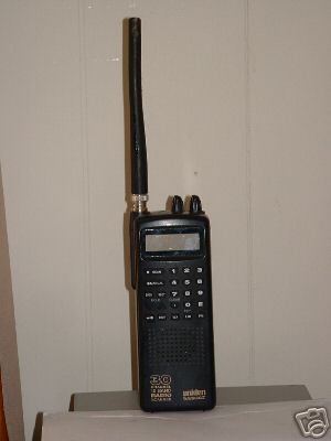 Uniden bearcat 30 channel scanner- handheld