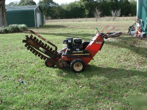 Ditch witch model 1030 trencher