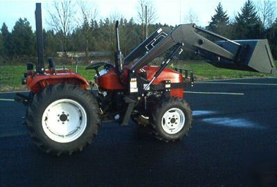 New 30 Hp 4x4 Tractor With Loader