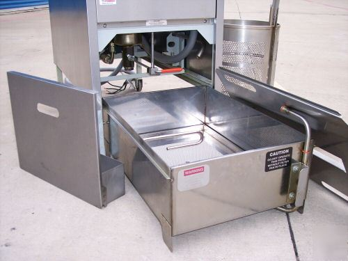 Broaster Pressure Fryer http://www.machine--tools.com/By-Location-/Pennsylvania-/Broaster-company-electric-pressure-fryer-model-1800.ASPX