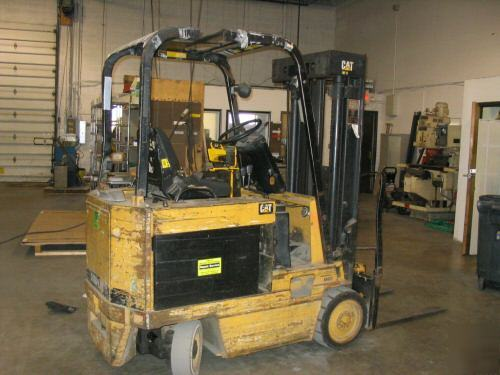 Cat 4000LBS 46/36 volt model M40D electric forklift