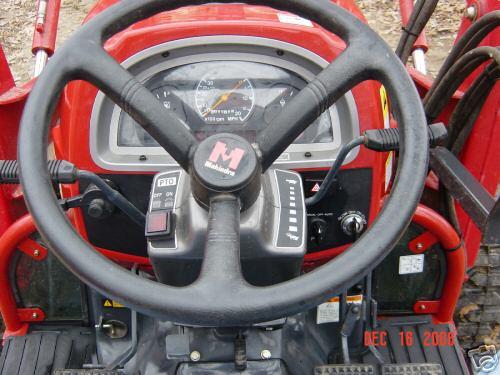 Like New 2005 Mahindra 4x4 4110 Loader Tractor    96 Hrs